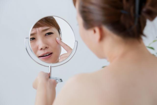 シミ・美白に効いた化粧品の口コミ<121効果を試して>おすすめ9選!徹底レビュー
