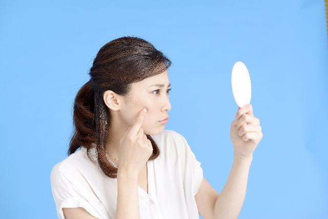 大人ニキビは「薬」より洗顔料・化粧水などで【4つのスキンケア】を
